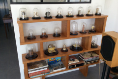 Installation-cloches-collection-mécanimes-pendules-2